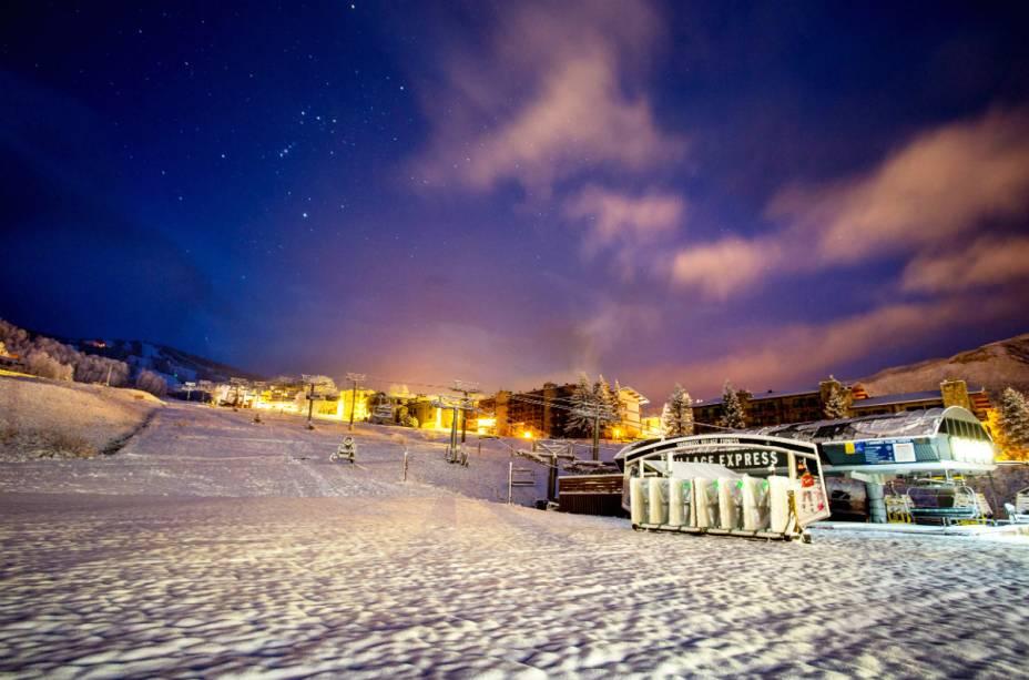 A temporada de esqui vai de meados de novembro a março - e movimenta a visita de aproximadamente 250 mil turistas
