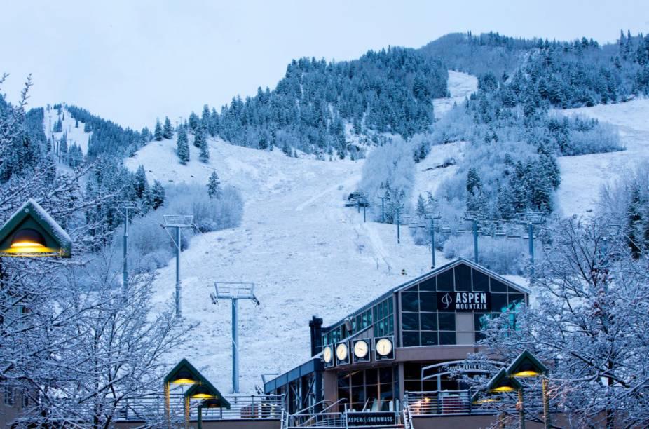 O resort Aspen-Snowmass hospeda várias competições de esqui durante a temporada de inverno na região
