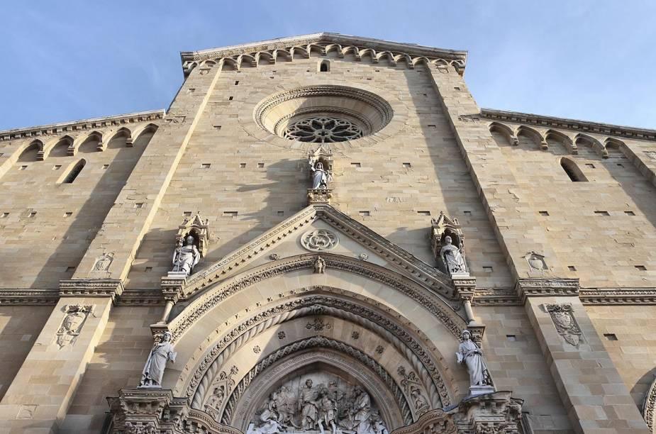 A construção da catedral de Arezzo (foto) começou no século 13 e só terminou no século 15