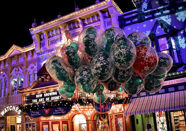 Balões vendidos na Main Street. (Foto: Flickr   CC BY-NC-ND 2.0   Joe Penniston)