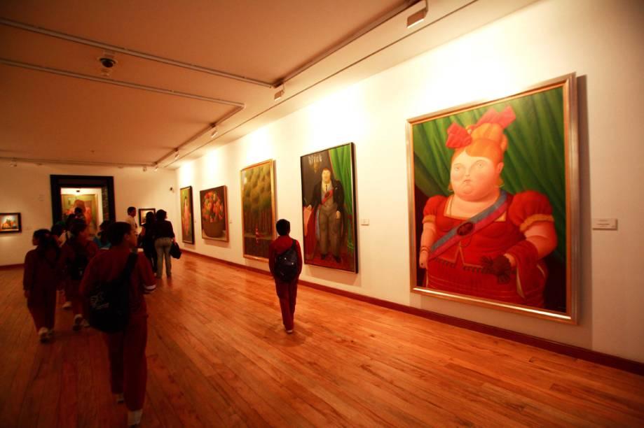 O Museu Botero conta com 123 obras doadas pelo mestre colombiano Fernando Botero, famosos pelas pinturas rechonchudas, além de telas de outros artistas como Renoir, Dalí e Picasso