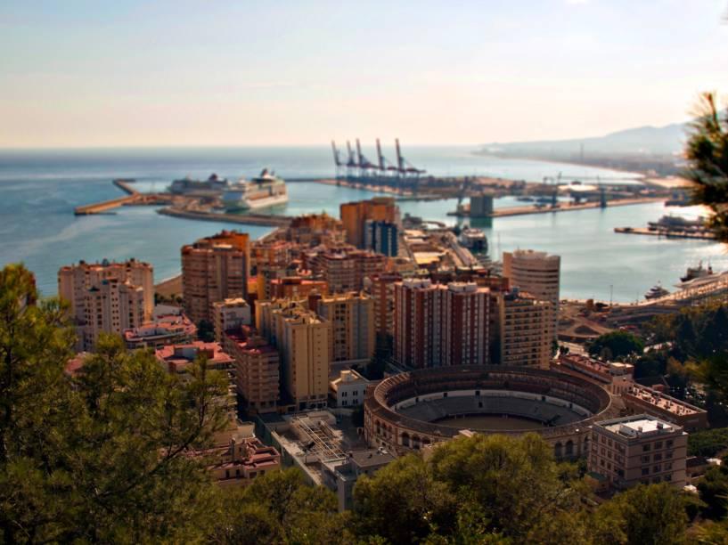 Vista aérea de Málaga com destaque para a arena de touradas