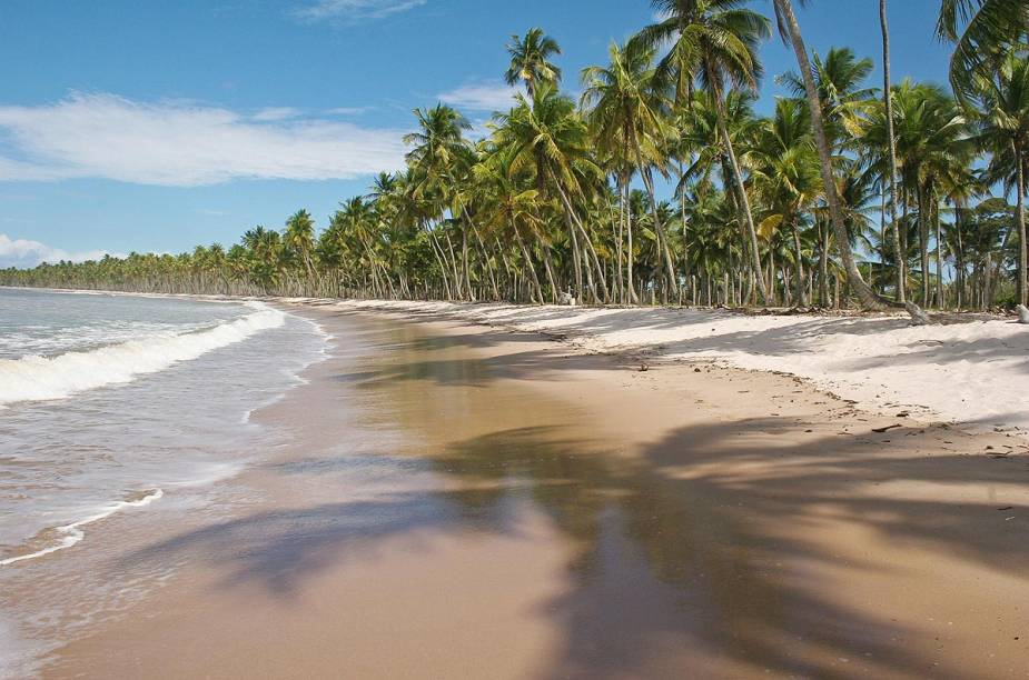 """Praias desertas, piscinas naturais e noites estreladas: <a href=""""http://viajeaqui.abril.com.br/cidades/br-ba-ilha-de-boipeba"""" rel=""""Boipeba"""" target=""""_blank"""">Boipeba</a>, na <a href=""""http://viajeaqui.abril.com.br/estados/br-bahia"""" rel=""""Bahia"""" target=""""_blank"""">Bahia</a>, é puro sossego"""