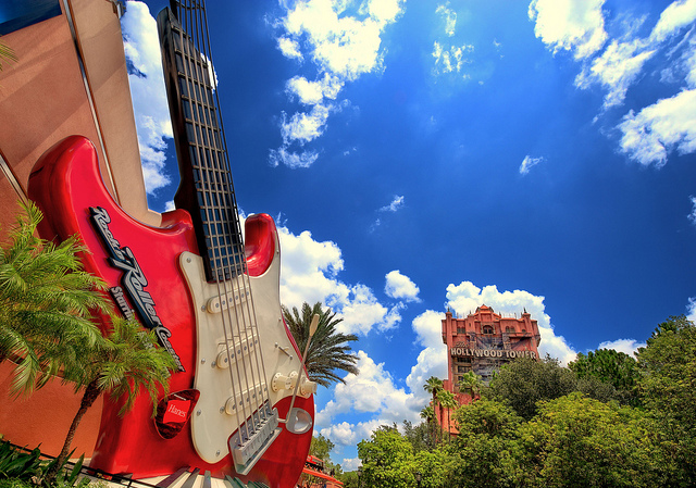 Rock 'n' Roller Coaster e Tower of Terror no Disney's Hollywood Studios  (Foto: Flickr | Creative Commons | expressmonorail)