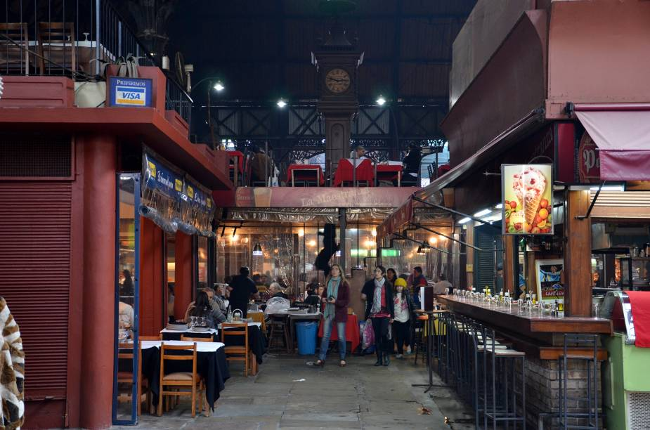 O Mercado del Puerto é uma das melhores opções para provar a verdadeira parillada uruguaia