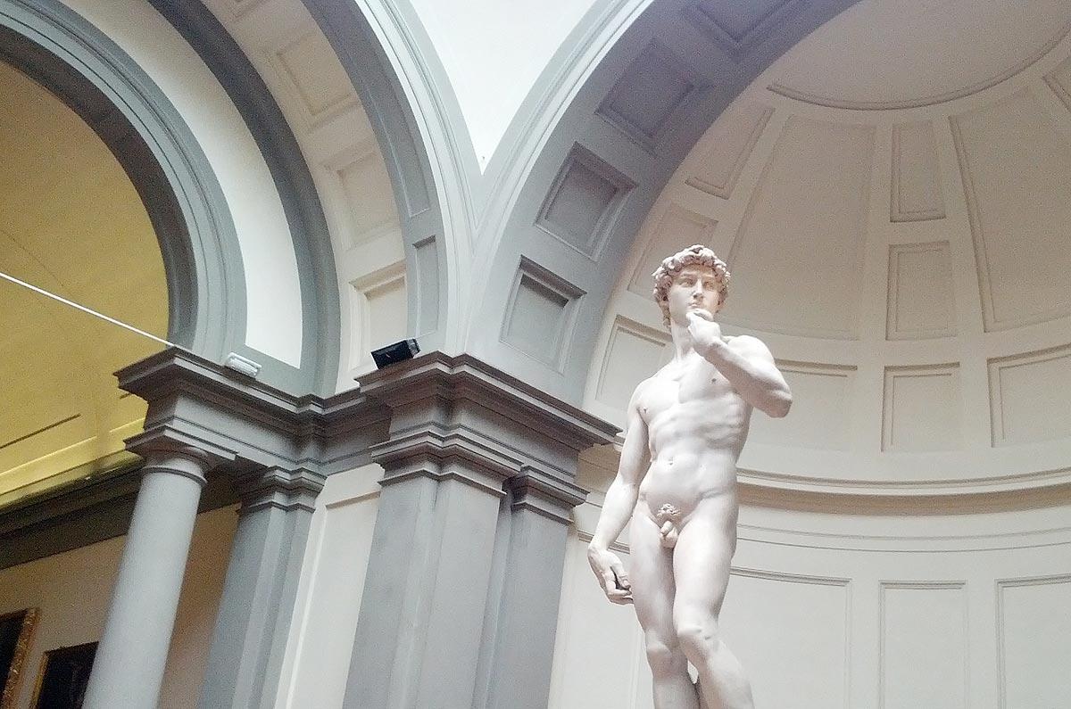 Estátua de Davi, de Michelângelo, na Galleria dell'Accademia, em Florença, Itália