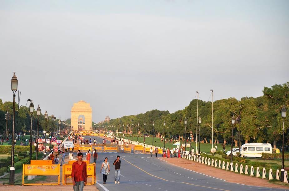 Rajpath, a Champs-Elysées indiana, com o Portal da Índia ao fundo