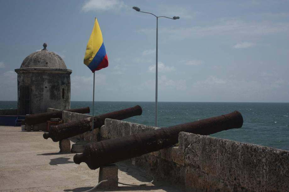 Os canhões apontados para o mar são o destaque do Castelo de San Felipe
