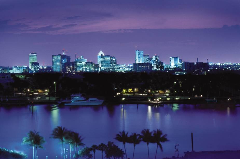 """Os diversos canais de <a href=""""http://viajeaqui.abril.com.br/cidades/estados-unidos-fort-lauderdale"""" rel=""""Fort Lauderdale"""">Fort Lauderdale</a> lhe conferiram um certo charme, junto ao apelido de """"Veneza das Américas"""""""