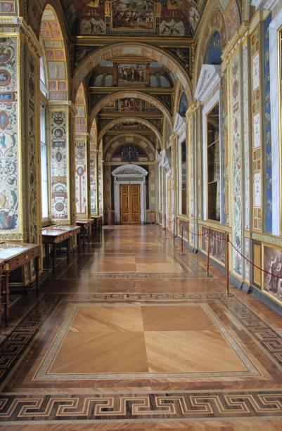 Cópia da galeria pintada por Rafael no Vaticano, no Museu Hermitage