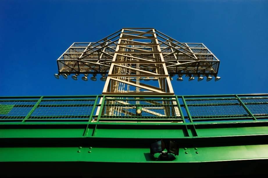 """<a href=""""http://viajeaqui.abril.com.br/estabelecimentos/estados-unidos-boston-atracao-fenway-park"""" rel=""""Fenway Park"""" target=""""_blank"""">Fenway Park</a>, casa do time de beisebol Boston Red Sox. O roteiro é ideal para os amantes do esporte"""