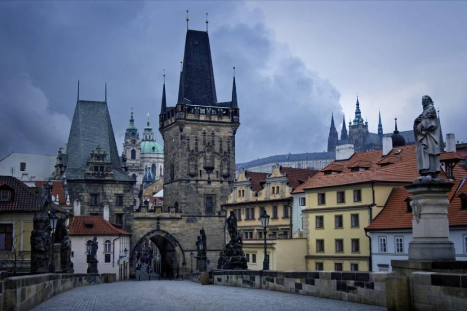 Ponte Carlos em Praga, com o Castelo ao fundo