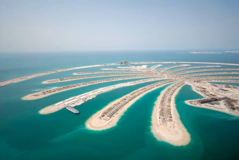 """O icônico condomínio em forma de palmeira de Palm Jumeirah, <a href=""""http://viajeaqui.abril.com.br/cidades/emirados-arabes-unidos-dubai"""" rel=""""Dubai"""" target=""""_blank"""">Dubai</a>"""