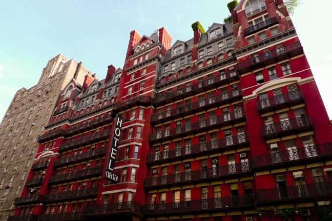 a-famosa-fachada-vermelha-do-chelsea-hotel-que-se-localiza-no-bairro-de-mesmo-nome-em-manhattan