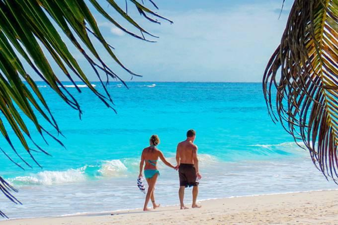 A-Praia-de-Xpu-Ha-na-Riviera-Maia-mexico