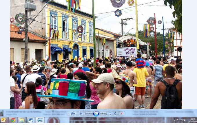 A rua ferve em São Luiz do Paraitinga / Foto: Elaine Skowronski