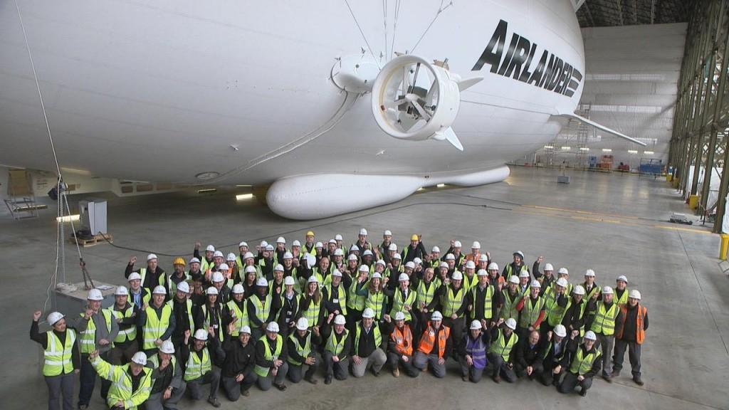 Equipe que ajudou a construir e projetar o Airlander 10 (foto: divulgação)