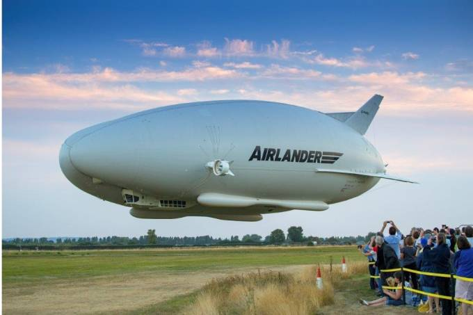 Airlander e platéia