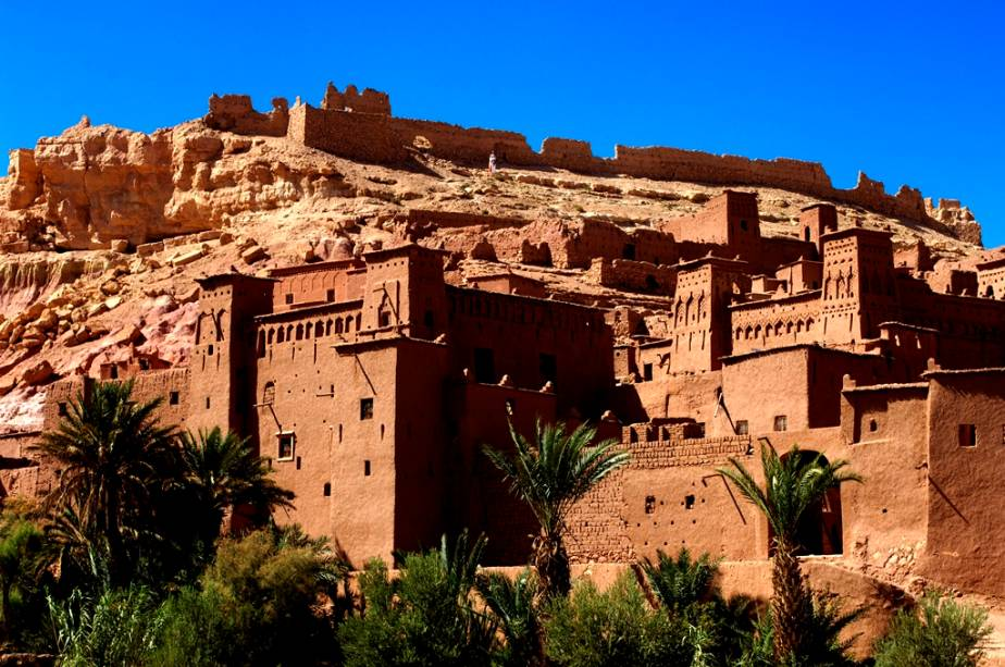 A visita à cidade fortificada de Ait BenAddhou, 190 km a sudeste de Marrakesh, é um bom programa de um dia