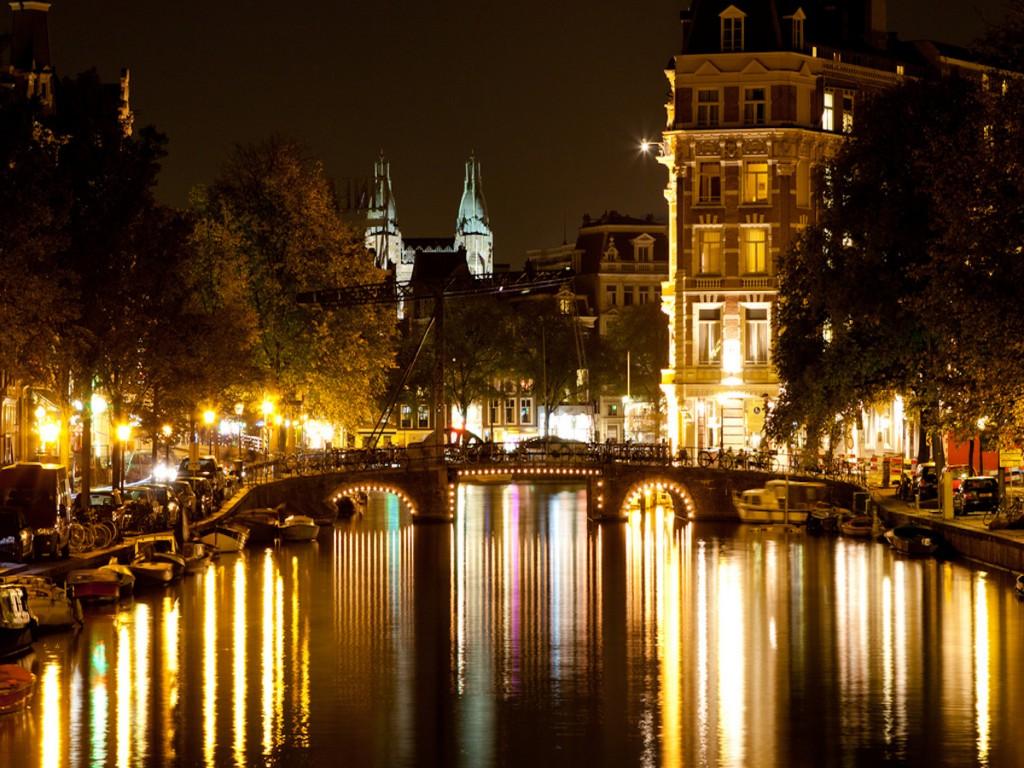 Os canais desenham a cidade de Amsterdã (Foto: Andreas Dantz, no Flickr)