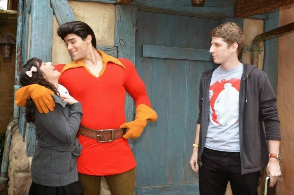 Gaston (A Bela e a Fera) com Ana Claudia Andrade e Oliver Schües
