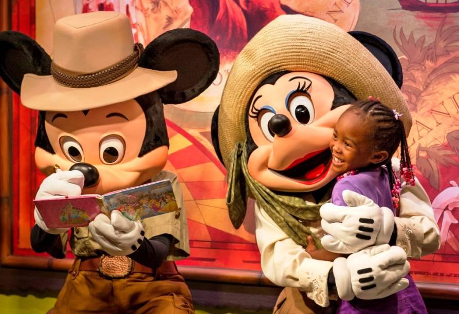 Mickey e Minnie no Adventurers Outpost do Animal Kingdom