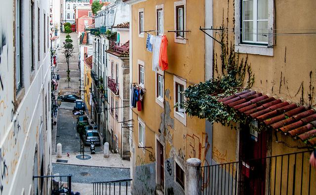 Uma das ruelas do Bairro Alto, de dia: tranquilidade (foto: Jean-François Gornet)