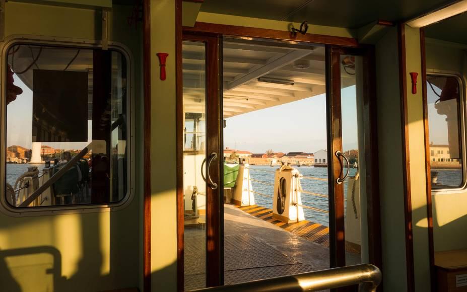 O Vaporetto é uma das opções de transporte pelo Grande Canal, principalmente se você precisar percorrer uma grande distância em pouco tempo