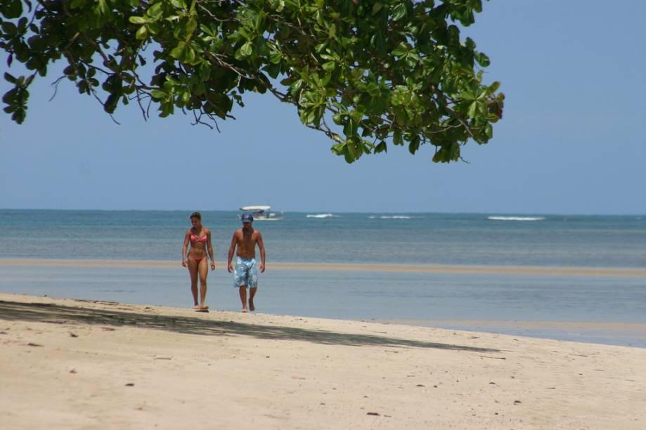 A Praia de Morerê atrai mais movimento que a vizinha Bainema por sua estrutura