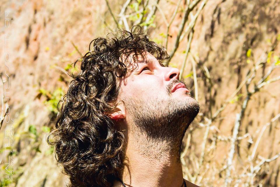 Fellipe Abreu acha repelente de tomada coisa para os fracos