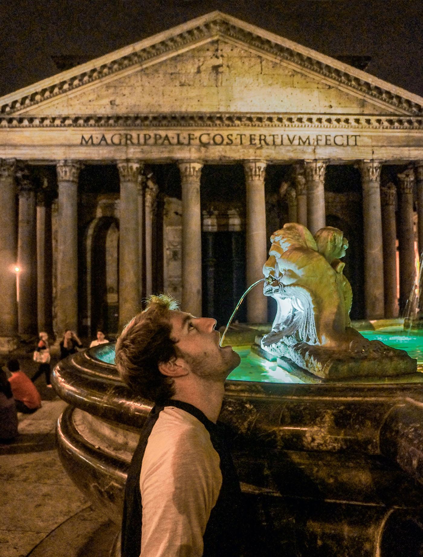 BEM NA FOTO: Brian Baldrati em Roma, Itália