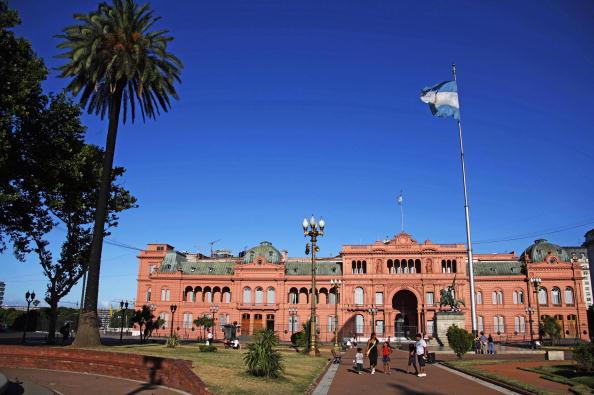 Casa Rosada, na Plaza de Mayo, em Buenos Aires, Argentina - há passeios guiados e gratuitos pelos salões abertos ao público de hora em hora