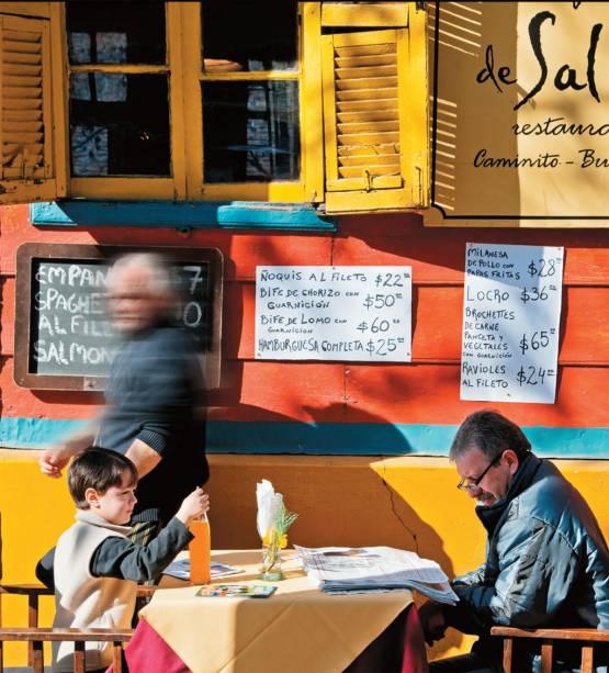 """Buenos Aires pode ser bem interessante para <em>niños:</em>há museus, parques, passeios e até comprinhas que encantam as crianças viajantes; <a href=""""http://viajeaqui.abril.com.br/materias/buenos-aires-para-criancas"""" rel=""""LEIA MAIS""""><strong>LEIA MAIS</strong></a>"""