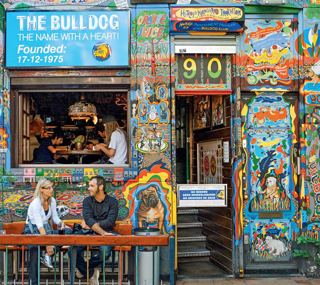 As cores da liberdade no coffee shop Bulldog