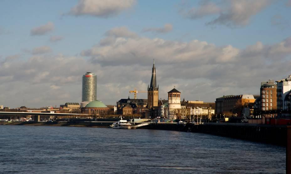 O ar cosmopolita da cidade de Düsseldorf, na Alemanha