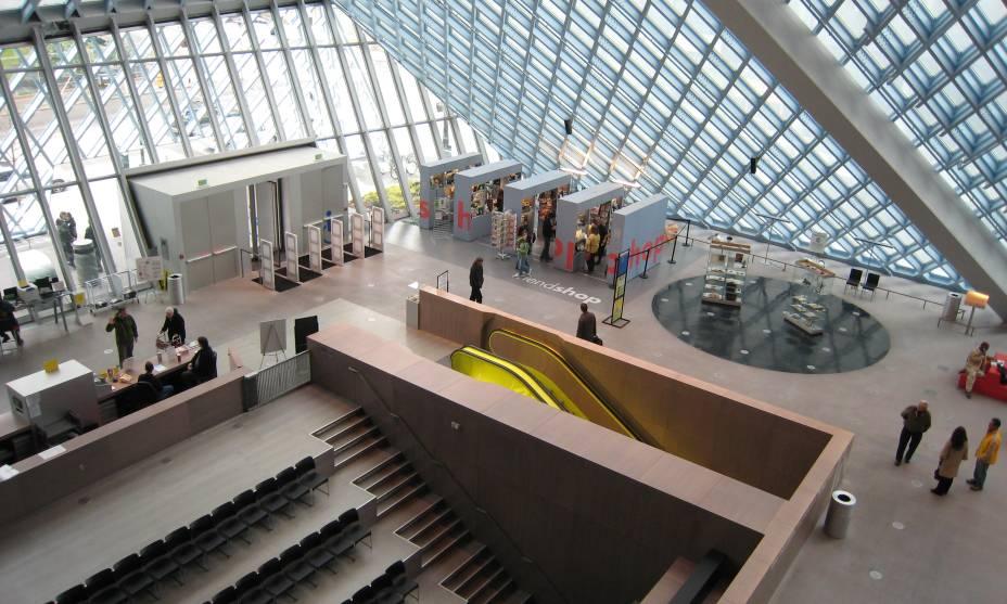 Auditório da Microsoft na Biblioteca Pública de Seattle, nos EUA