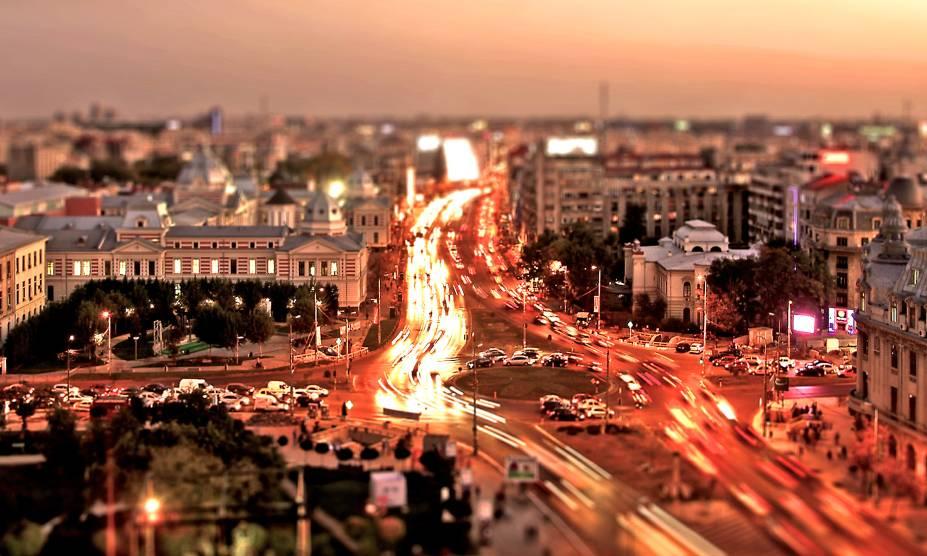 Pode não parecer, mas Bucareste, na Romênia, é agitada, dinâmica, descolada e sua vida noturna, interessantíssima