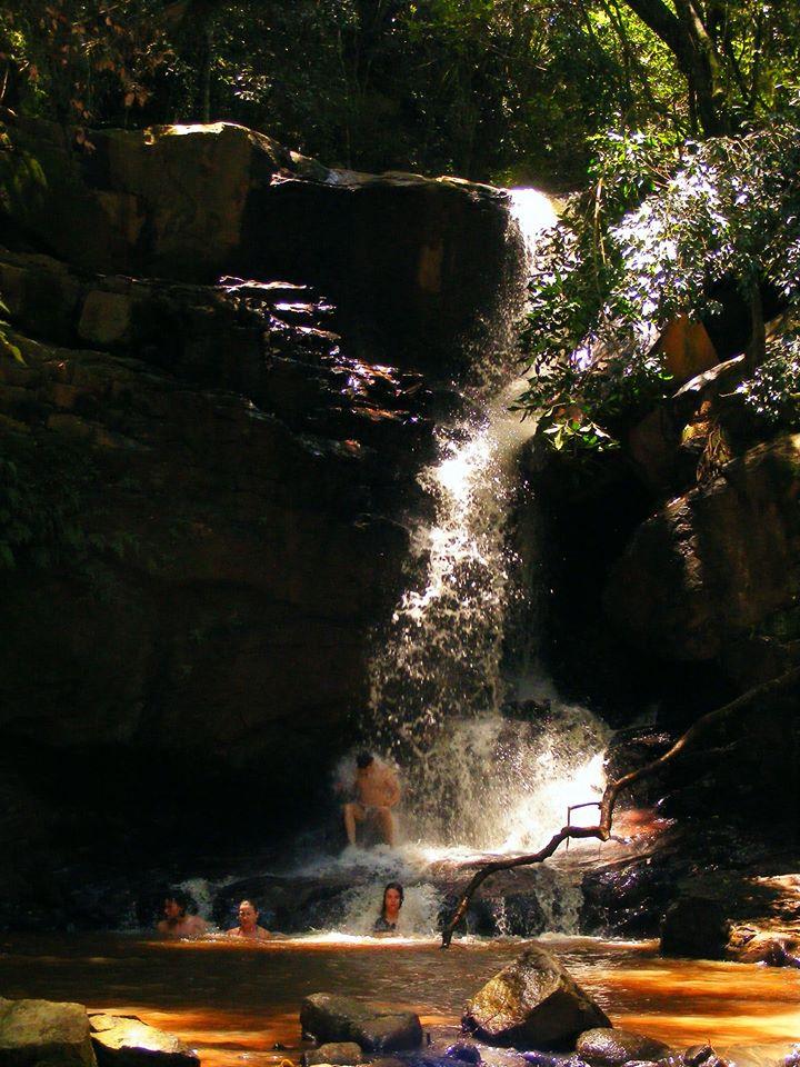 A Cachoeira do Mergulho tem uma gruta sob a queda / Divulgação