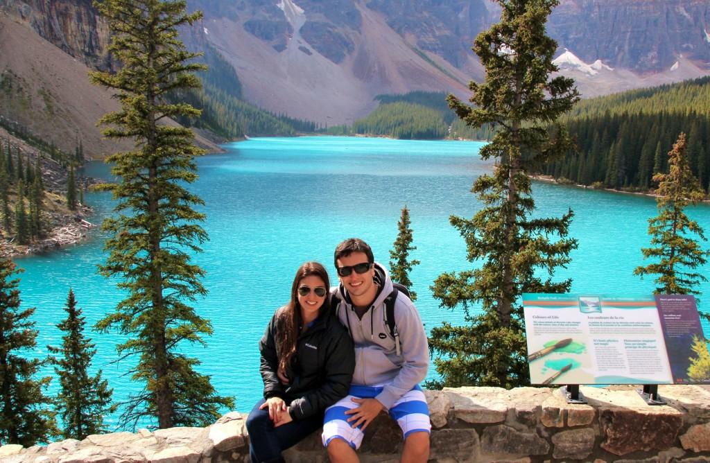 Moraine Lake, no Parque Nacional de Banff, Canadá: As Montanhas Rochosas, com mais de 4 800 quilômetros de extensão, seguindo desde British Columbia, no oeste do Canadá, até o Novo México, no sudoeste dos Estados Unidos, são a base de lagos originados pelas geleiras formadas nos topos das montanhas, que no verão ganham tons de azul turquesa de tirar o fôlego (texto e foto: Raquel Furtado)