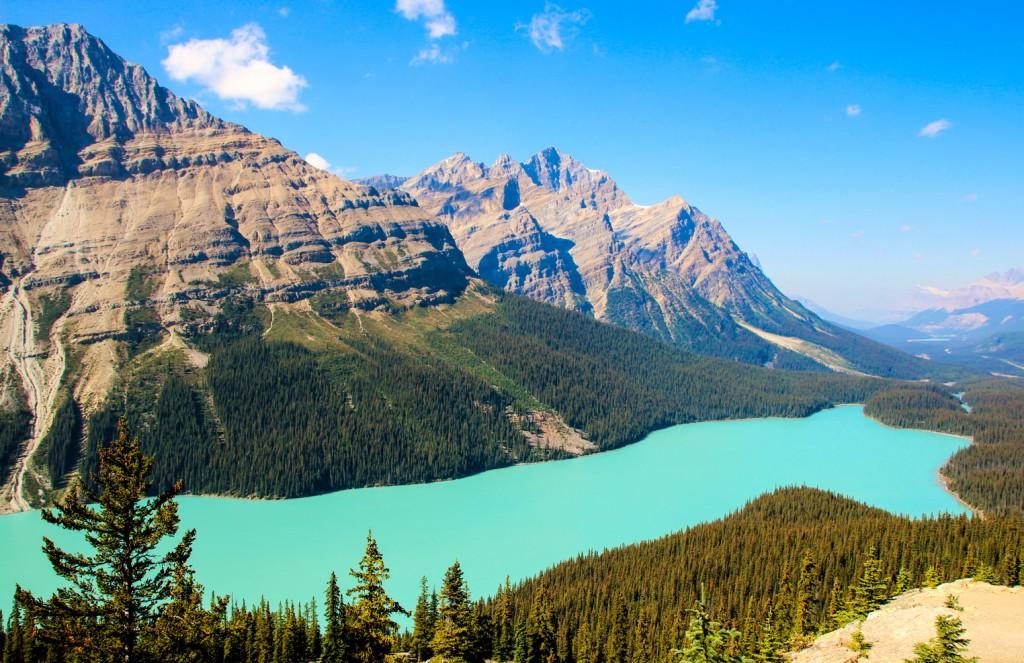 No caminho até o Lake Louise, não deixe de parar para fotografar o Peyto Lake, esse lago com um azul surpreendente. Para dar mais charme ainda à viagem, se hospede nas margens do Bow Lake – e se conseguir encarar a água fria, um mergulho por lá é sensacional! (texto e foto: Raquel Furtado)