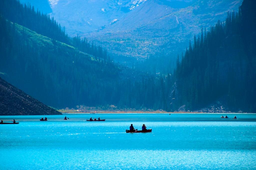 A parte canadense das Rocky Mountains nos conquistou de uma maneira inexplicável. As Rockies estão presentes em quatro Parques Nacionais reconhecidos como Patrimônio Mundial da UNESCO. O mais conhecido deles, o Parque Nacional de Banff, é o que abriga o super famoso Lake Louise; mas há também os parques de Jasper (o maior entre eles), Kootenay e Yoho (foto e texto: Raquel Furtado)
