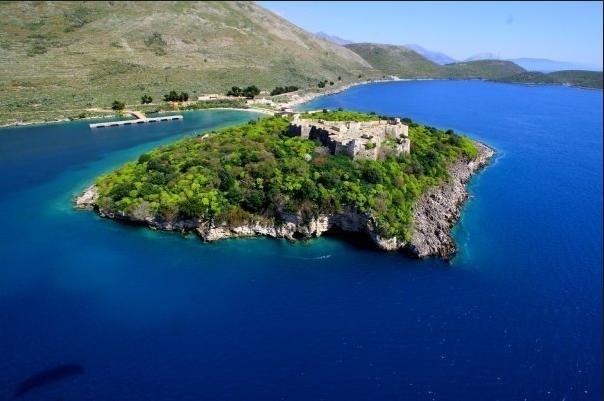 Foto aérea de Porto Palermos (copiada do Turismo da Albânia)