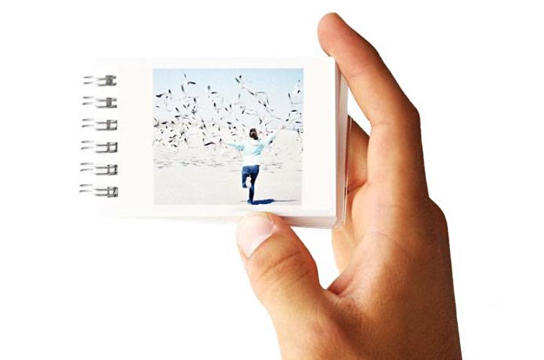 Os minibooks também são super fofos, a página é dura e essa espiral em formato de caderno deixa tudo mais charmoso ainda. Dois livretes saem por US$ 12. Acho que, de tudo, foi o que eu mais gostei