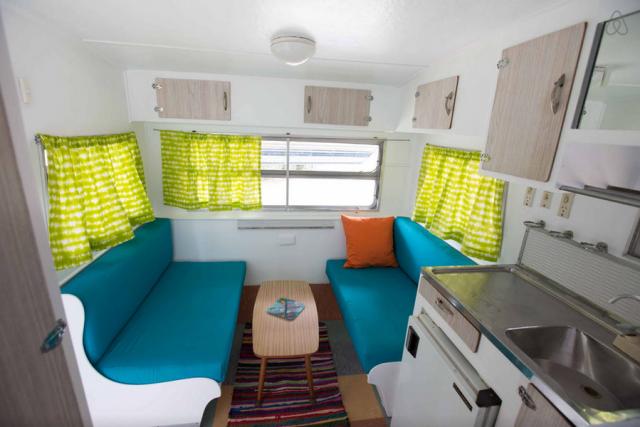 Interior do cafofinho: que ninguém me acuse de não ter embarcado num trailer pra viajar pela Austrália