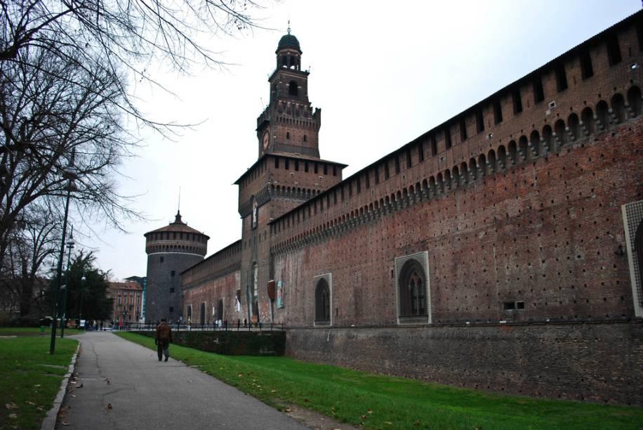 O Castello Sforzesco foi construído sobre uma antiga fortificação, erigida pela família Visconti