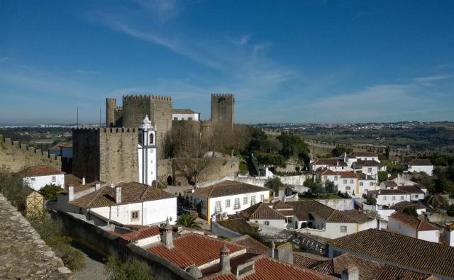 O Castelo de Óbidos, onde funciona uma pousada, vista de cima da muralha (foto: Renata Hirota)