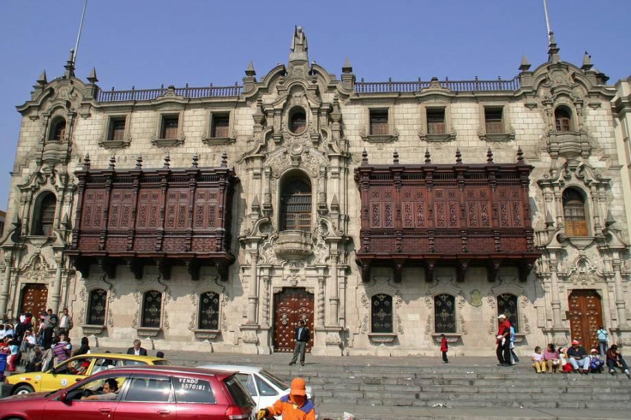 Inaugurada em 1538, com arquitetura barroca, a Catedral de Lima, no Peru, já foi reconstruída diversas vezes devido aos terremotos que assolaram o país. Apesar disso, ela preserva seu charme e merece uma visita detalhada graças aos seus mosaicos