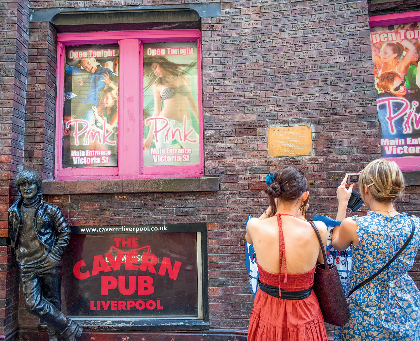 O Cavern Club, a eterna primeira casa dos Beatles, em Manchester, Inglaterra
