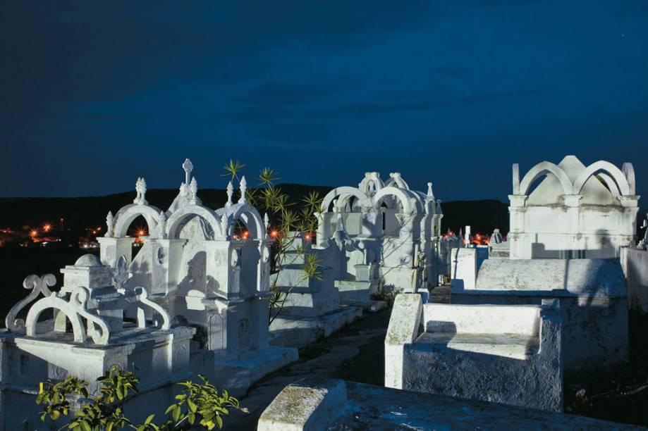 Lápides do Cemitério Bizantino, em Mucugê, construído no começo do século 19
