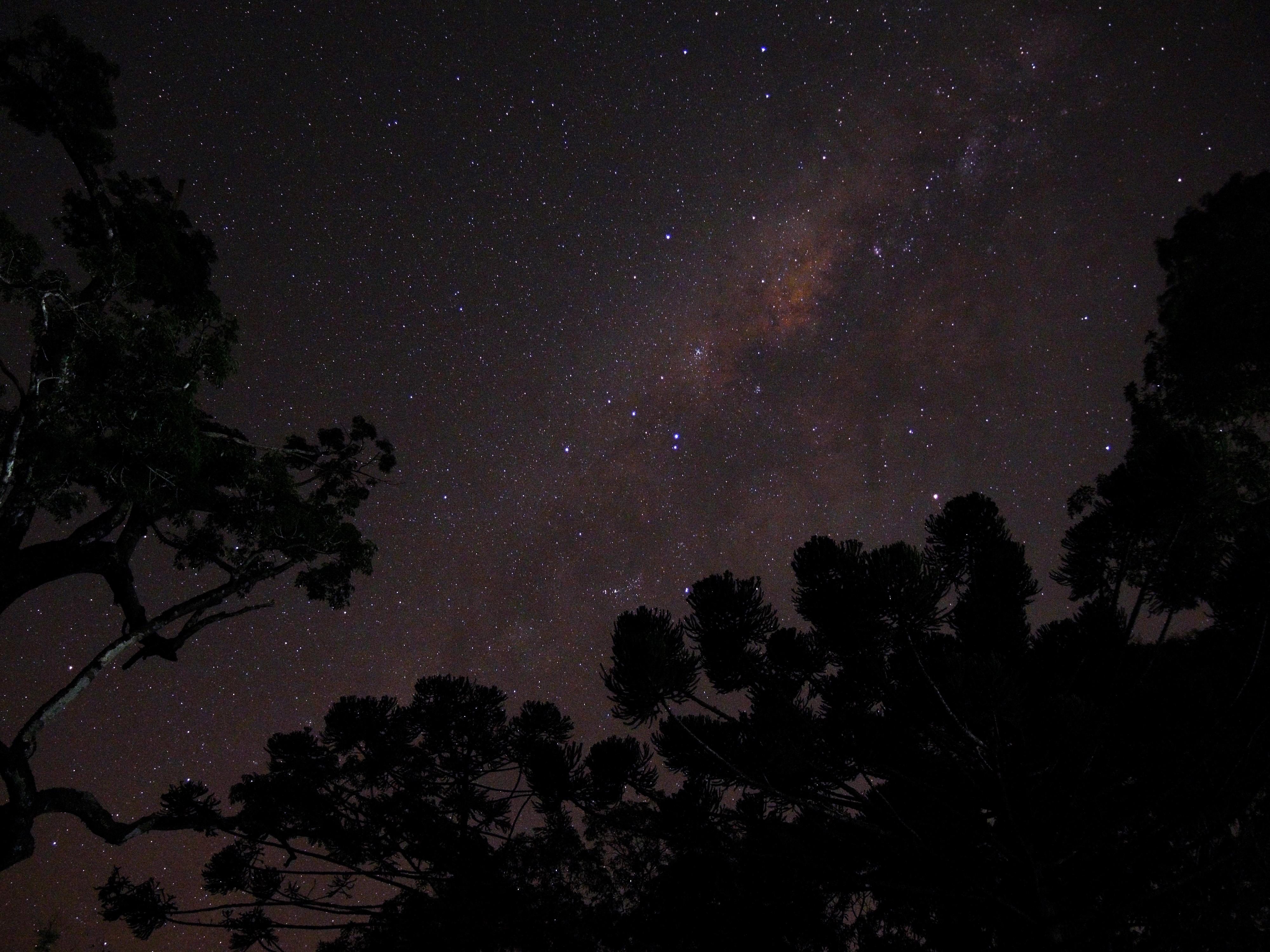 Céu estrelado no Parque Natural do Caraça, em Minas Gerais